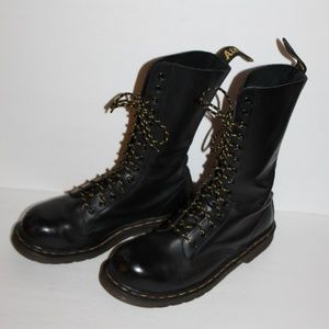 Dr Doc Martens Black Originals England Women 9